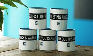Die gestapelten Tassen stellen den Aufbau der Klickkonzept DNA dar.